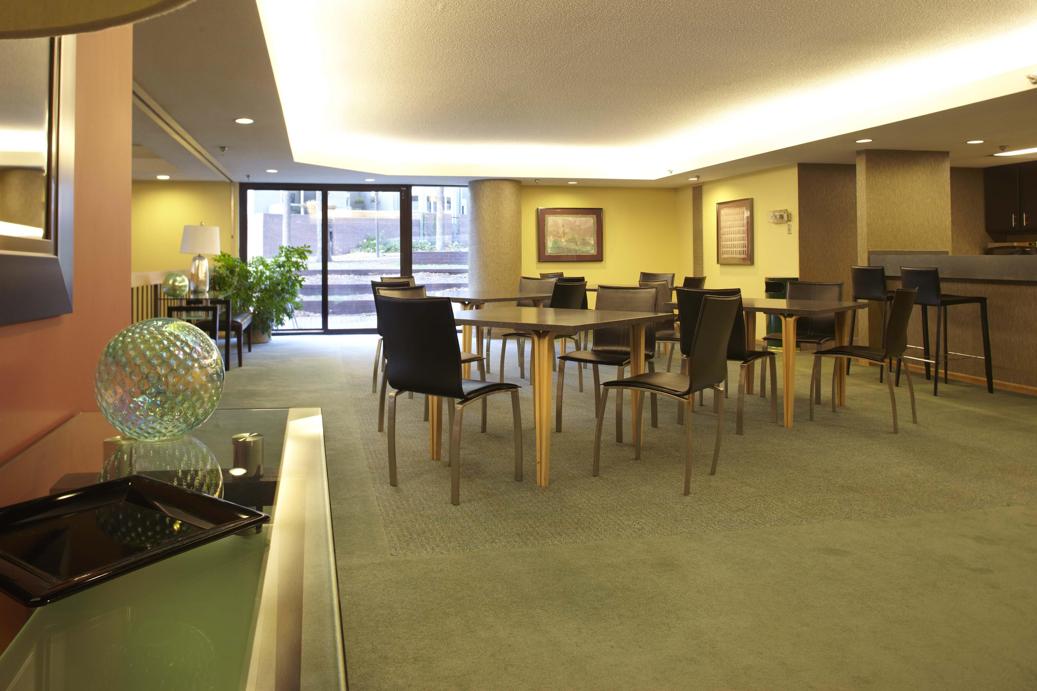 11---Lounge