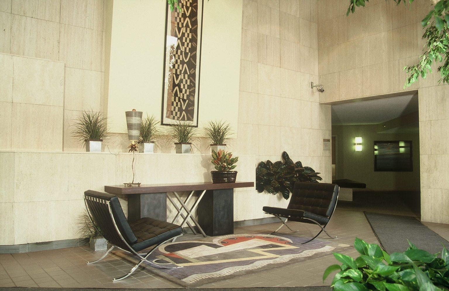 16-lobby