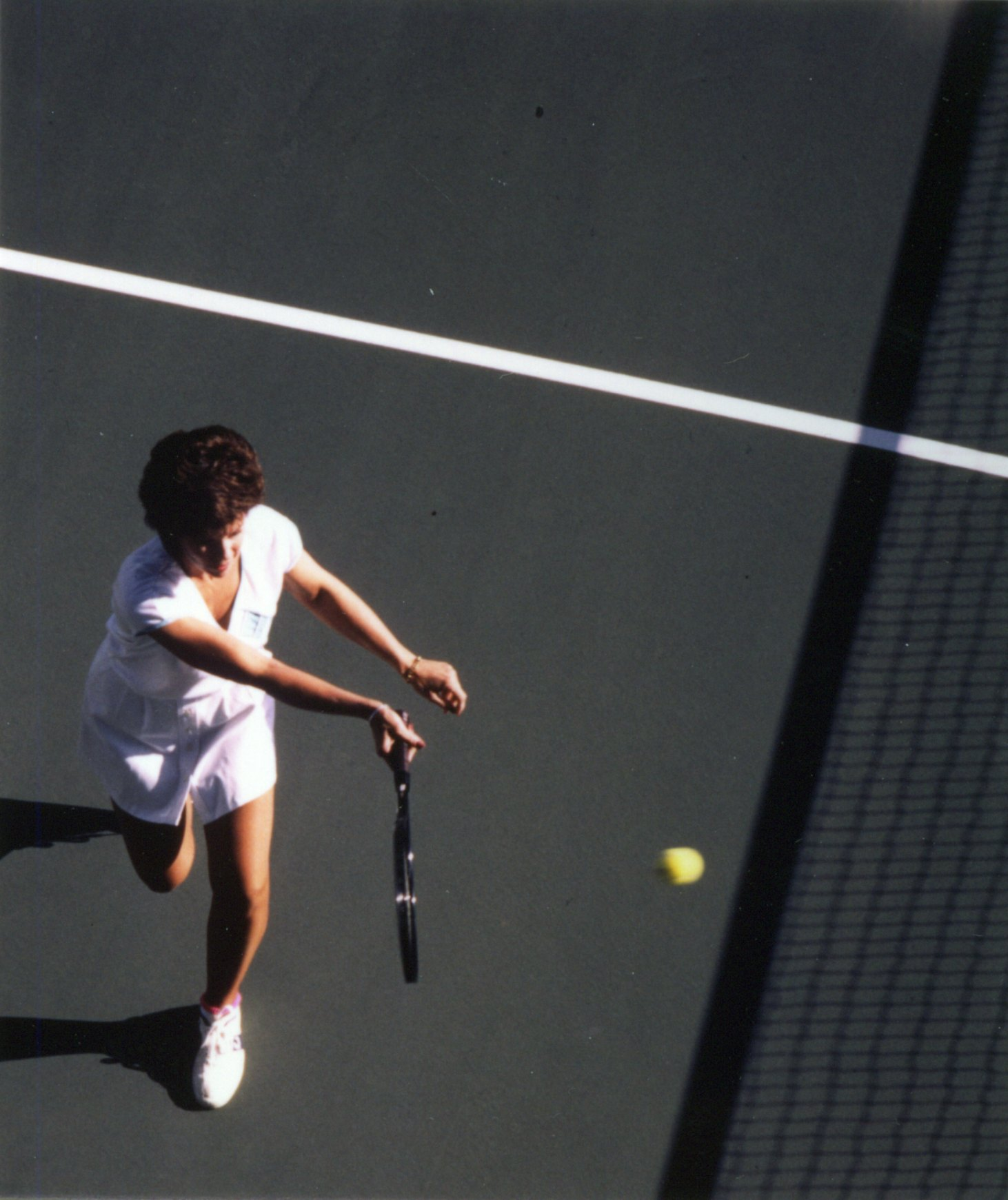 9e3b4b806ee6b8e21972c11569fdf88f_tennisplayer